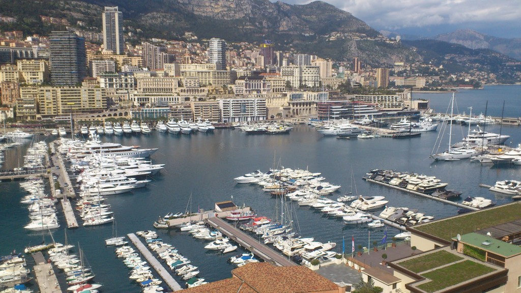 Stinkend rijk in Monaco