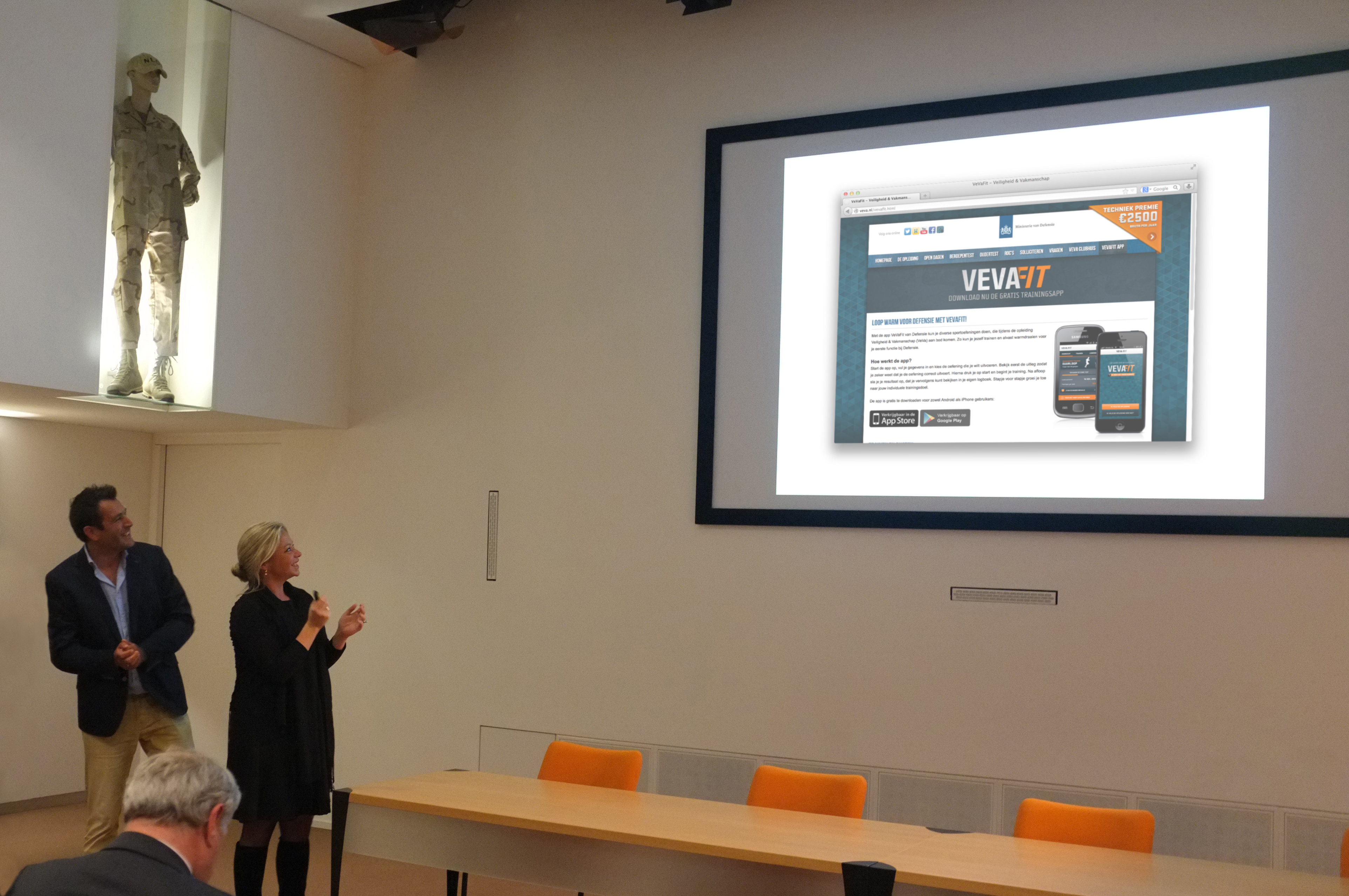 Defensie VeVa app lancering Maximum employment marketing corne wielemaker Jeanine Hennis-Plasschaert